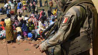 Un soldat français de l'opération Sangaris à Boali, au nord de Bangui(Centrafrique), le 19 janvier 2014. (ERIC FEFERBERG / AFP)