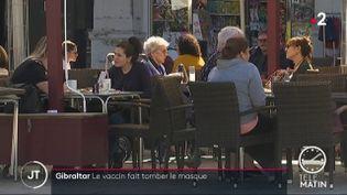 Un café à Gibraltar. (France 2)