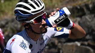 Julian Alaphilippe lors de la 72e édition du Critérium du Dauphiné, le 15 août 2020.  (ANNE-CHRISTINE POUJOULAT / AFP)
