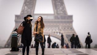 Les 6, 7 et 8 février 2017, ce sont les journées mondiales sans téléphone portable. (LIONEL BONAVENTURE / AFP)