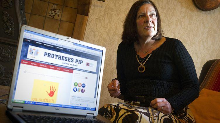 Joëlle Manighetti est une des victimes des prothèses mammaires défectueuses PIP. (LIONEL BONAVENTURE / AFP)