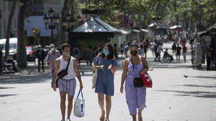Sur l'avenur des Ramblas, haut-lieu du tourisme à Barcelone (Espagne), le 18 juillet 2020 (JOSEP LAGO / AFP)