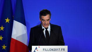 François Fillon lors d'une conférence de presse à Paris, le 6 février 2017. (MARTIN BUREAU / AFP)