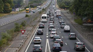 Des embouteillages sur l'autoroute A6, au sud de Paris, le 3 juillet 2015. (THOMAS SAMSON / AFP)