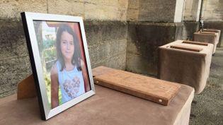 Des registres installés dans l'église de La Tour du Pin (Isère), le 2 juin 2018, à l'occasion de la cérémonie d'hommage à la petite Maëlys, morte neuf mois plus tôt. (MARION FEUTRY / FRANCE 3 ALPES)