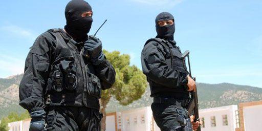 Membres des forces spéciales tunisiennes montant la garde à Kasserine, capitale de la région du mont Chaambi, le 7 mai 2013. (AFP - Abderrazek Khlifi)