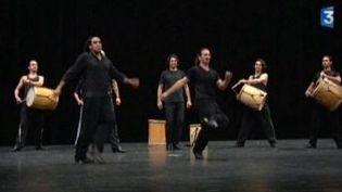 Che Malambô: la danse des gauchos argentins fait vibrer Cannes  (Culturebox)