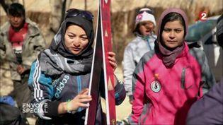 Les filles du Bamyan Ski Club (FRANCE 2 / FRANCETV INFO)