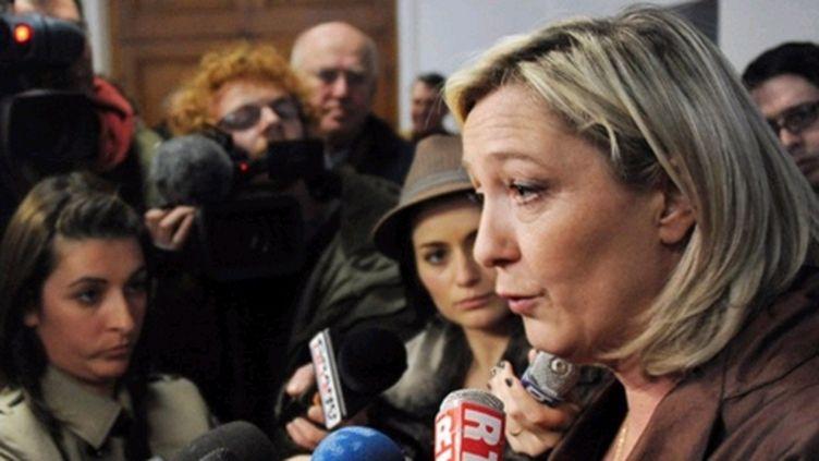 """Marine Le Pen estime que le comportement du PS est """"critiquable"""". (AFP - PHILIPPE HUGUEN)"""