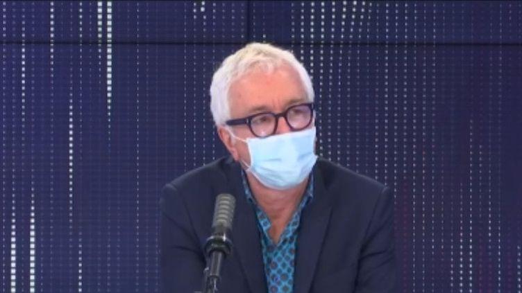Gilles Pialoux, infectiologue à l'hôpital Tenon à Paris, sur franceinfo lundi 1er mars 2021. (FRANCEINFO / RADIOFRANCE)