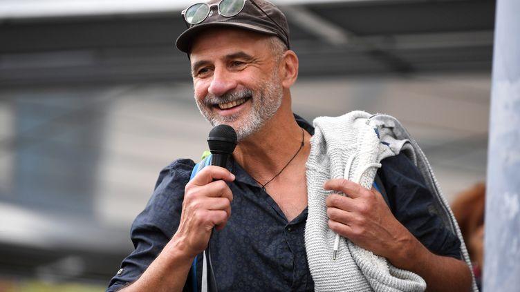 Pierre Mumber, devant le tribunal de Grenoble, le 24 octobre 2019. (JEAN-PIERRE CLATOT / AFP)