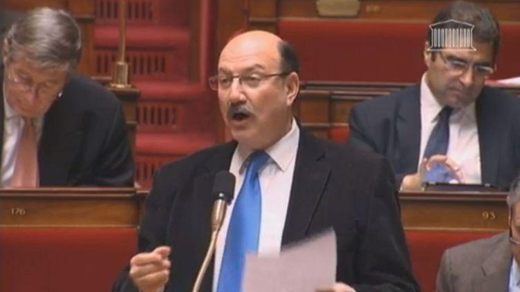 Jacques-Alain Bénisti, député UMP, à l'Assemblée nationale, lors des débats sur le mariage pour tous, le 3 février 2012. ( FRANCETV INFO)