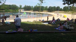 La plage de la base de loisirs de Torcy (Seine-et-Marne), le 5 août 2013. (MAXPPP)