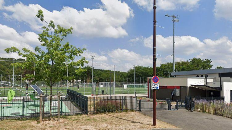 Capture d'écran du stade Jussieu à Versailles. (GOOGLE STREET VIEW)