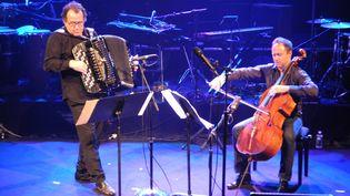 Richard Galliano et Henri Demarquette en répétition, fin novembre, à la Maison de la radio, à Paris.  (Lorenzo Ciavarini Azzi/Culturebox)