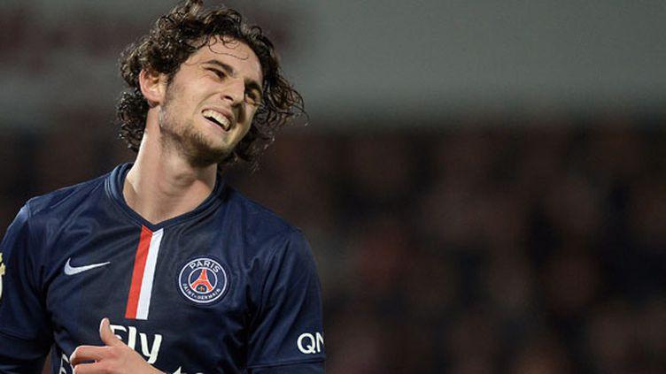 Le joueur du PSG Adrien Rabiot retenu par les réservistes (PATRICK HERTZOG / AFP)