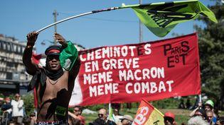 Des cheminots grévistes, le 7 mai 2018 à Paris. (MAXPPP)