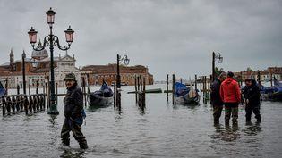 Dans la vieille ville de Venise, en Italie, le 17 novembre 2019. (ALESSANDRO ROTA / AFP)