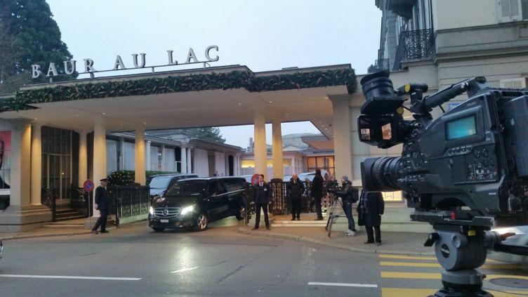 (L'hôtel où ont eu lieu les arrestations de responsables de la Fifa, le 3 décembre 2015, à Zurich en Suisse ©Radio France/Nicolas Mathias)