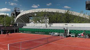 Roland-Garros : une édition placée sous le signe des restrictions sanitaires (France 2)