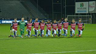 Le 10 janvier 2020, les joueurs de Clermont avait tenu à poser un genou à terre pour protester contre le racisme, avant le coup d'envoi d'un match de Ligue 2 BKT face à Troyes.