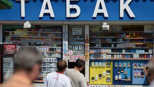 Un kiosque de vente de cigarettes en 2013 à Omsk (ALEXEY MALGAVKO / RIA NOVOSTI)