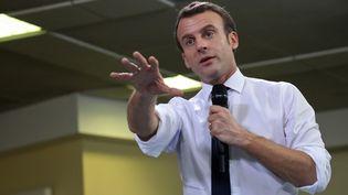 Le président de la République Emmanuel Macron lors d'un débat à Evry-Courcouronnes (Essonne), lundi 4 février 2019. (LUDOVIC MARIN / POOL / AFP)