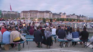 Pourquoi se coucher tard quand on peut se lever tôt ? C'est le concept des Aubes Musicales de Genève, qui proposent une série de concerts au petit matin. (France 3 Alpes)