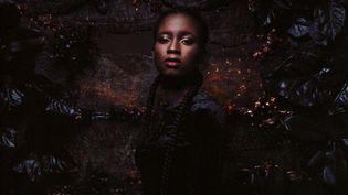 """Sianna vient de sortir son premier album, """"Diamant Noir"""" (Warner Music France)"""