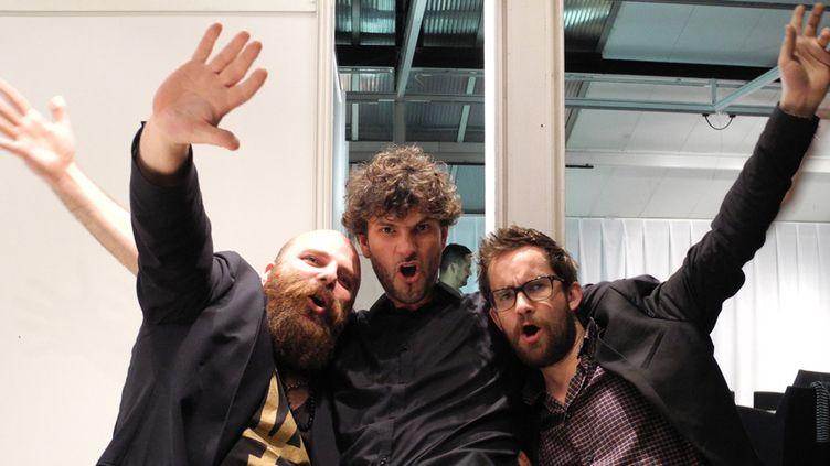 La joie de Thomas de Pourquery, Vincent Peirani et Émile Parisien, joyeux drilles et vrais amis, après la cérémonie des Victoires du Jazz, le 13 juin 2014 à Vincennes  (Annie Yanbékian)