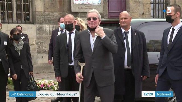 Décès de Jean-Paul Belmondo : un dernier hommage devant l'église de Saint-Germain-des-Prés