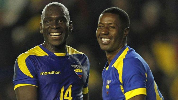 Les joueurs équatoriens Segundo Castillo (à gauche) et Edison Mendez (à droite)