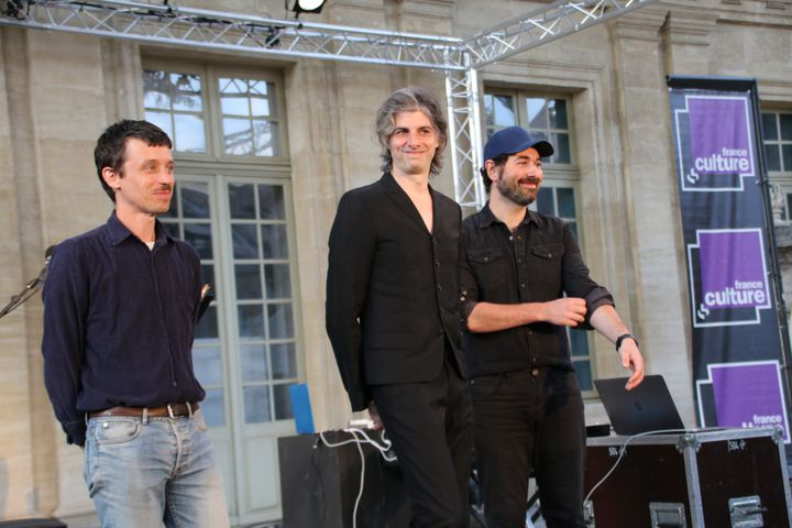 Michal Lescot entouré de Jonathan Morali et Olivier Marguerit, très applaudi à Avignon (SOPHIE JOUVE)