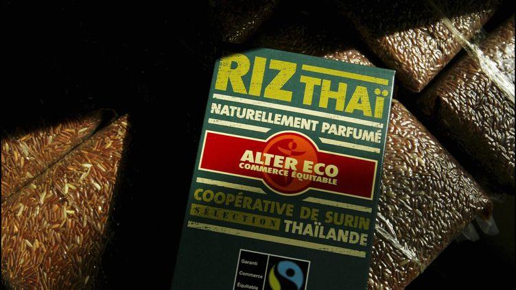 Commerce équitable Max Havelaar. Récolte de riz en Thaïlande. (PATRICK AVENTURIER / GAMMA-RAPHO / GETTY IMAGES)