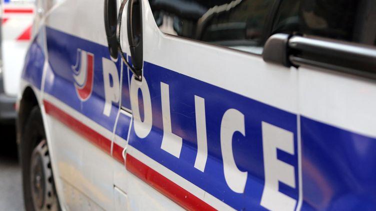 Une voiture de police à Nice (Alpes-Maritimes) le 19 novembre 2015. (MAXPPP)
