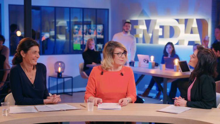 Capture d'écran du premier journal télévisé de 20 heures du Média, diffusé le 15 janvier 2018. (LE MEDIA / YOUTUBE)