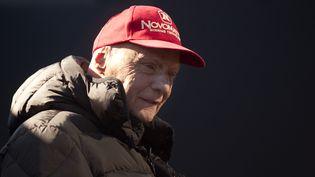 L'ancien pilote de Formule 1 Niki Lauda lors d'une journée de tests de pré-saison sur le circuit de Xérès (Espagne), le 1er février 2015. (JORGE GUERRERO / AFP)