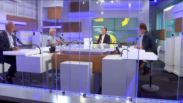 De gauche à droite : Jean-Jérôme Bertholus, Carole Barjon, Marc Fauvelle et Renaud Dély, le plateau des informés du matin du 6 septembre 2021. (FRANCEINFO / RADIO FRANCE)