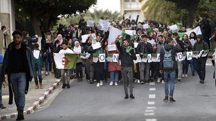 Des étudiants manifestent à Alger le 26 février 2019. (RYAD KRAMDI / AFP)