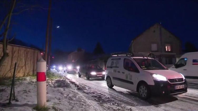 Des véhicules bloqués dans la neige le 23 janvier 2019 (CAPTURE D'ÉCRAN FRANCE 3)