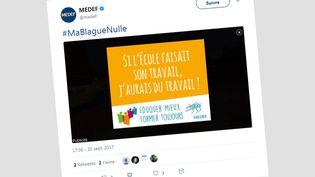Le slogan est issu de la campagne sur la formation, menée par le Medef et notamment diffusée sur Twitter. (capture d'écran)
