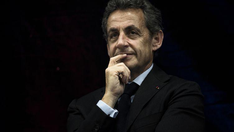 Le président des Républicains, Nicolas Sarkozy, le 12 mai 2016 à Jonage, dans la banlieue lyonnaise. (JEFF PACHOUD / AFP)