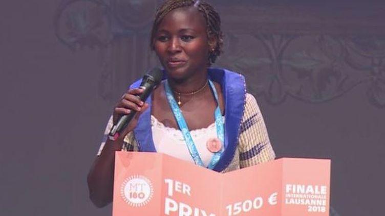 La burkinabé Genevière Zabré primée au concours «Ma thèse en 180 secondes». (Capture d'écran)