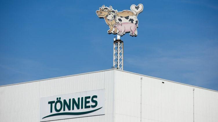 L'usine de production du géant allemand de l'industrie alimentaire Toennies Lebensmittel à Rheda-Wiedenbrueck, en Allemagne. (FRISO GENTSCH / DPA)