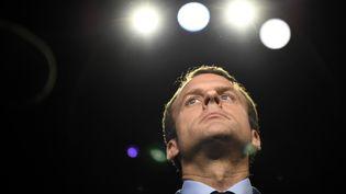 Emmanuel Macron le 4 avril 2017 à la Plaine-Saint-Denis, à Paris. (LIONEL BONAVENTURE / POOL)