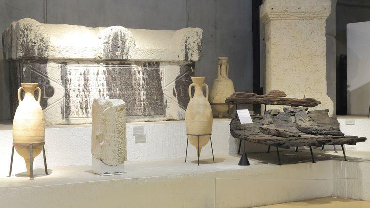 Amphores et sarcophage des collections permanentes du musée Lugdunum de Lyon (11 septembre 2019) (MAISANT LUDOVIC / HEMIS VIA AFP)
