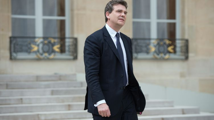 Le ministre du Redressement productif, Arnaud Montebourg,jeudi 2 mai 2013, à la sortie du Conseil des ministres, à l'Elysée. (BERTRAND LANGLOIS / AFP)