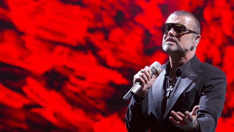 George Michael sur scène lors du concert organisé pour le Sidaction à l'Opéra de Paris (9 septembre 2012)  (Miguel Medina / AFP)