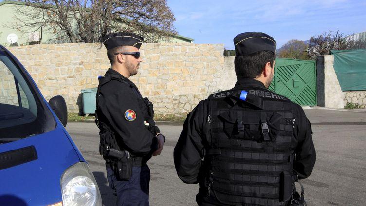 Des gendarmes dans les rues d'Ajaccio (Corse-du-Sud), le 26 décembre, après des violences visant une salle de prière musulmane. (AFP)