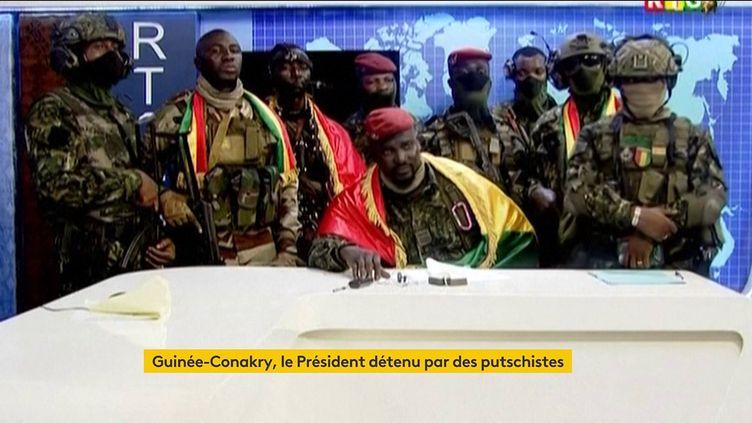 Les putschistes à Conakry, en Guinée (FRANCEINFO)